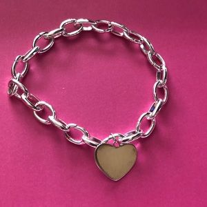 NWOT - Stella and Dot charm bracelet